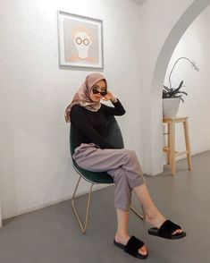 Ideas fashion hijab summer outfit ideas for 2019 28 Modern Hijab Fashion, Street Hijab Fashion, Hijab Fashion Inspiration, Muslim Fashion, Fashion Outfits, Casual Hijab Outfit, Ootd Hijab, Hijab Chic, Girl Hijab