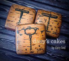 Wine Cookies, Mother's Day Cookies, Sugar Cookies, Mini Cakes, Cupcake Cakes, Cupcakes, Small Tea, Bottle Openers, Royal Icing Cookies