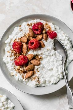 This cottage cheese breakfast is easy to make ahead the night before and customize Plus it s just 4 ingredients cottagecheese Cottage Cheese Breakfast, Cottage Cheese Recipes, Breakfast Bowls, Mexican Breakfast, Breakfast Sandwiches, Breakfast Pizza, Protein Packed Breakfast, Healthy Breakfast Recipes, Snack Recipes