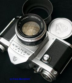 Asahi Pentax 1957 - website with great information on early asahi pentax cameras and takumar lenses.