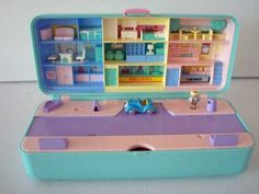 The original Polly Pocket!!!! when they were actually mini ;)