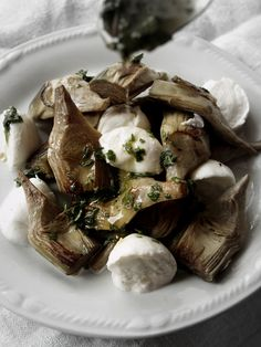 http://www.i-food.gr/recipe/5638/caprese-me-agkinares-kai-mozzarella Caprese με αγκινάρες και mozzarella