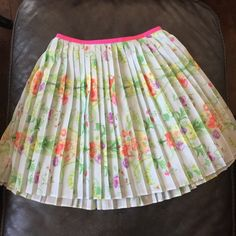 """Ted Baker Mint green floral pleated skirt Baker by Ted Baker, 15"""" in length, lined, elastic waist measures 21"""" while testing and 30"""" maximum when stretched, labeled a size 10, polyester, non smoking home, excellent condition Ted Baker Skirts"""