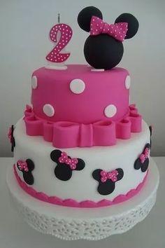 Mini Mouse Birthday Cake, Mini Mouse Cake, Minnie Mouse Birthday Decorations, Minnie Birthday, Birthday Cake Girls, Bolo Da Minnie Mouse, Minnie Cake, Minnie Mouse Theme, Mickey Mouse Cake