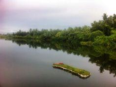 Lake of Gn. Fuvahmulah  See von Gn. Fuvahmulah Lac de Gn. Fuvahmulah