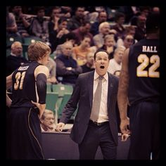 Coach Marshall and the #Shockers lead #Pitt, 33-28, with under 15 minutes remaining in the game! #WATCHUS #BEATPITT