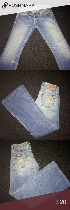 BKE JEANS Distressed medium blue low rise boot cut denim jeans 24/31 like new BKE Pants Boot Cut & Flare