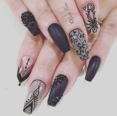 Coffin nails @KortenStEiN Beautiful Nail Designs, Cute Nail Designs, Nail Art Modele, Lace Nails, Modern Nails, Nail Games, Creative Nails, White Nails, Swag Nails