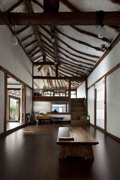 Neo-Traditional Korean Homes: 6 Modern Updates on the Vernacular Style Lucia's Earth by Studio Gaon, Kongju, South Korea Asian Interior, Japanese Interior, Home Interior Design, Interior Architecture, Interior And Exterior, Vernacular Architecture, Futuristic Architecture, Interior Modern, Traditional Interior