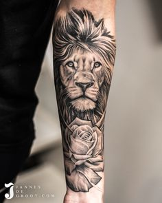 Semi Realistic Lion Rose Forearm Tattoo - By: Jannes de Groot Lion And Rose Tattoo, Lion Arm Tattoo, Lion Forearm Tattoos, Lion Tattoo Sleeves, Lion Head Tattoos, Rose Tattoos For Men, Half Sleeve Tattoos For Guys, Mens Lion Tattoo, Lion Tattoo Design