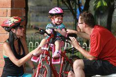 #bicicleta #bike #cadeirinha #cadeirinhaparabicicleta #industriabrasileira #crianças #infantil #aro26 #aro27 #aro29 #mãe #pai #filha #familia #parque #capacete #segurança #cuidado   Veja mais em www.kalf.com.br