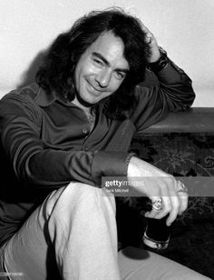 Close-up of American musician and actor Neil Diamond prior to his one?man show at the Winter Garden, New York, New York, October Get premium, high resolution news photos at Getty Images Neal Diamond, Diamond Girl, I'm A Believer, It Goes Like This, Diamond Picture, Music Do, Elvis Presley Photos, Close Up, Singer