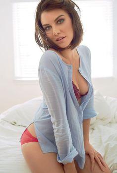 Lauren Cohan, Beautiful Female Celebrities, Gorgeous Women, Beauty Full Girl, Beauty Women, Brunette Beauty, Girl Body, Models, Sexy Hot Girls
