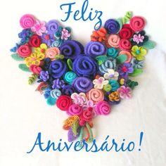 heart flowers in felt, crochet pdf instructions.many ideas here Felt Flowers, Diy Flowers, Crochet Flowers, Fabric Flowers, Arts And Crafts, Diy Crafts, I Love Heart, Happy Heart, Felt Hearts