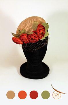 -N30 Atelier- Casquete con flores color caldera y velo