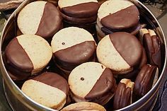 Nougattaler, a refined recipe from the category biscuits . Bewer… Nougattaler, a refined recipe from the category biscuits & cookies. Ratings: Average: Ø - Biscuit Cookies, Cake Cookies, Xmas Cookies, Baking Recipes, Cookie Recipes, Biscuits, Sweets Cake, Christmas Baking, Christmas Recipes