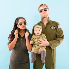 These are the best family Halloween costume ideas in If you're looking for family of 4 or family of 3 Halloween costume ideas, look no further. Check out these movie costumes, food costumes, and more. Food Costumes, Ghost Costumes, Movie Costumes, Diy Costumes, Costume Ideas, Halloween This Year, Family Halloween Costumes, Halloween Kids, Top Gun Kostüm