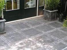 Afbeeldingsresultaat voor grote betontegels met klinkers