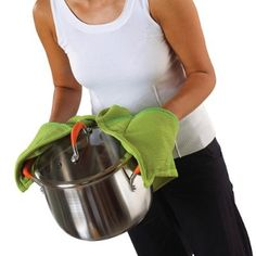 """Guest Tutorial - Make a """"Helping Hand"""" all-in-one apron/dishtowel/double-handed hot pad apparatus"""