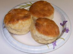 - Judy's Bisquick Biscuits I messed with the Bisquik biscuit recipe on the box, until I came up with this recipe. Big tender biscuits good for sausage gravy, butter and jam, or anything that goes with a good biscuit. Bisquick Recipes Biscuits, Homemade Biscuits, Making Biscuits, Easy Biscuits, Homemade Breads, Sausage Muffins, Sausage Breakfast, Breakfast Casserole, Gastronomia