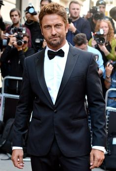 Gerard Butler in Hugo Boss tuxedo at the GQ Men of the Year Awards. #suits