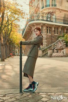 Yoo In Na in Singles November 2019 Korean Actresses, Korean Actors, Actors & Actresses, Korean Star, Korean Girl, Yoo In Na Fashion, Girl Actors, Drama News, Instyle Magazine