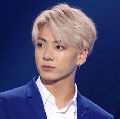 jungkook with silver hair needs to happen im sorry but 🤩🤩🤩 Bts Jungkook, Taehyung, Jungkook Fanart, Jung Kook Bts, Jung Hyun, Jung Hoseok, Jikook, K Pop, Foto Bts
