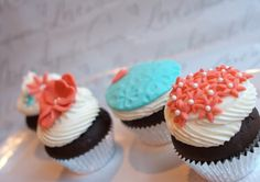 Betty Blue Bakery Wedding Cupcakes Tiffany Blue Teal & Coral