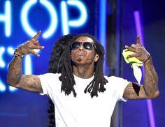 Pin for Later: Le Saviez Vous? Ces 55 Stars de la Musique Ont Changé de Nom Avant de Devenir Célèbres Lil Wayne = Dwayne Michael Carter, Jr.