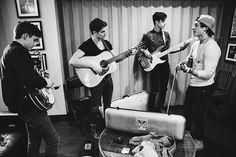 My boys, can't wait to meet them Sleepy Man Banjo Boys, Man Crush Monday, Banjos, My Man, My Boys, Backstage, My Friend, Meet, Nice
