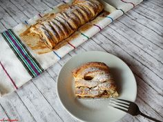 Braided apple strudel with cinnamon and raisins. Simple and delicious. Occasionally, I feel the need for something sweet, and to avoid the large amount of sugar Apple Strudel, Something Sweet, Raisin, Delicious Desserts, Childhood, Bread, Food, Meal, Essen