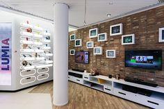 Nokia flagship store by Sundae Creative & Helsinki store design Shop Interior Design, Retail Design, Store Design, Exterior Design, Display Design, Showroom Design, Electronics Projects, Electronics Gadgets, Visual Merchandising