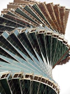 Panama's Revolution Tower - architecture