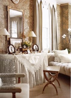 Love that dressing table!