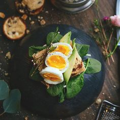 Healthy swap: instead of using butter as bread spread, try avocados. Avocados have less fat compared to butter and they're filled with vitamins and minerals, such as folic acid and magnesium. Extra tip: add lemon juice for a vitamin C boost. Happy breakfast! 🙃 (scheduled via http://www.tailwindapp.com?utm_source=pinterest&utm_medium=twpin&utm_content=post158189783&utm_campaign=scheduler_attribution)