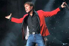 14 de octubre – Hoy hacemos un repaso a la discografía Cliff Richard en su 74 cumpleaños en forma de videoclip...