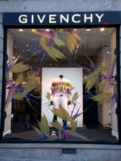 GIVENCHY STORE WINDOW SS12