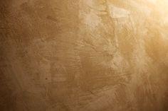 L'antica tecnica del coccio pesto per realizzare un intonaco naturale a base di calce e mattoni macinati resistente all'umidità e usato dai Romani per gli acquedotti.