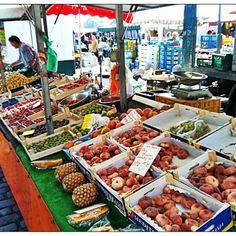 Das Foto wurde bei Hamburger Fischmarkt von Nenad N. am 8/19/2012 aufgenommen