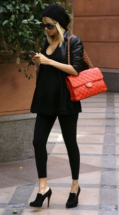 Nicole Richie, with Chanel purse