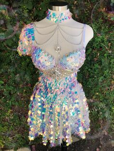 Kpop Fashion Outfits, Stage Outfits, Dance Outfits, Cute Outfits, Outfits For Dates, Showgirl Costume, Mermaid Bra, Mermaid Outfit, Rave Wear