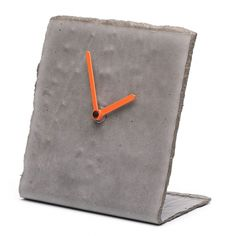 The Rollout Clock is a grunge design table clock made from rolled concrete. Concrete Tools, Concrete Cement, Concrete Projects, Concrete Design, Grey Clocks, Cool Clocks, Clock Art, Diy Clock, Made Design