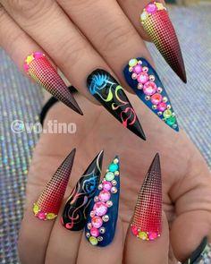 68 Beautiful Stiletto Nails Art Designs And Acrylic Nails Ideas 2020 - Lily Fashion Style Matte Stiletto Nails, Pointed Nails, Bright Summer Acrylic Nails, Best Acrylic Nails, Colorful Nail Designs, Nail Art Designs, Pointed Nail Designs, Swag Nails, Edgy Nails