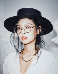 Jennie Kim x Gentle Monster for Marie Claire April 2020 Issue Blackpink Photos, Girl Photos, Korean Girl Groups, South Korean Girls, Jennie Kim Blackpink, Blackpink Jisoo, Korean Actresses, Women Life, Kpop Girls