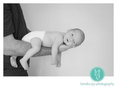 Newborn photography by Portland, Oregon photographer, Kendra Joy Photography.  www.kendrajoyphotography.com