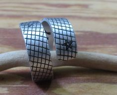 Spiralring Ring aus Aluminium Schlangenmuster Gravur Hand | Etsy Hand Gestempelt, Aluminium, Rings For Men, Etsy, Jewelry, Personalised Jewellery, Ideas For Gifts, Gifts For Women, Craft Gifts