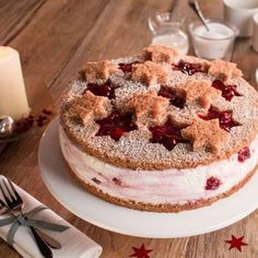 Sternenzauber-Torte Star magic cake recipes: A creamy cake with a baking mix and cherry groats for C Easy Smoothie Recipes, Snack Recipes, Snacks, Magic Cake Recipes, Coconut Recipes, Food Cakes, Savoury Cake, Ice Cream Recipes, Christmas Desserts