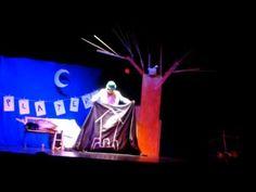 Escena de la levitación. cía. Navarcadabra - iurgi, ilusionista. www.platero-y-tu.com Centenario, Fun, Zaragoza, Scene, Hilarious