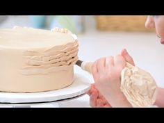 ......... and more RUFFLE CAKE TUTORIALS! VARIOUS STYLES .... WORTH TO SEE! ENJOY.... Raysa Santo Domingo
