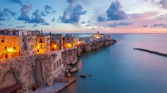 Vieste on the Adriatic coast of Italy (© Peter Adams Photography Ltd/Alamy) – 2017-02-18 [http://www.bing.com/search?q=Vieste&form=hpcapt&filters=HpDate:%2220170218_0800%22]